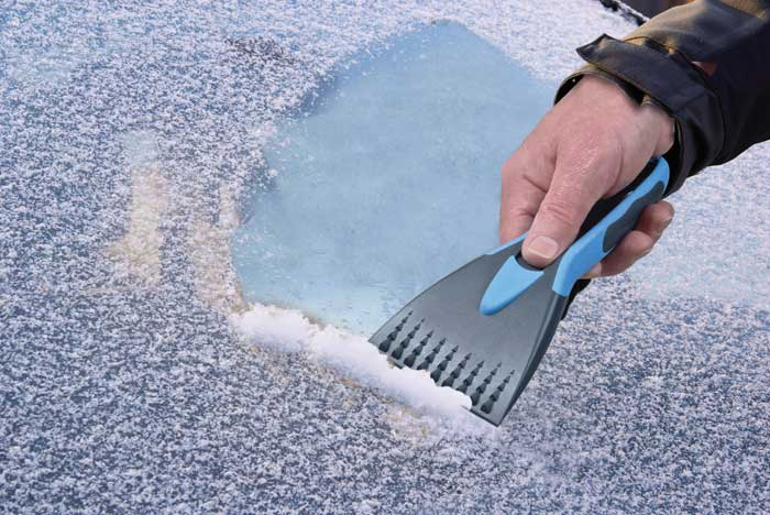 Motorists warned not to leave car unattended whilst defrosting car